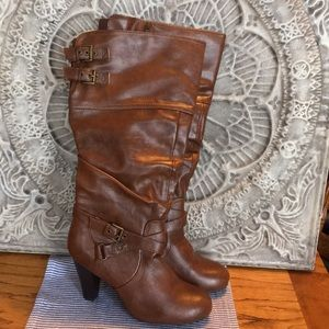 Brown  knee high guess boots size 8 1/2 M
